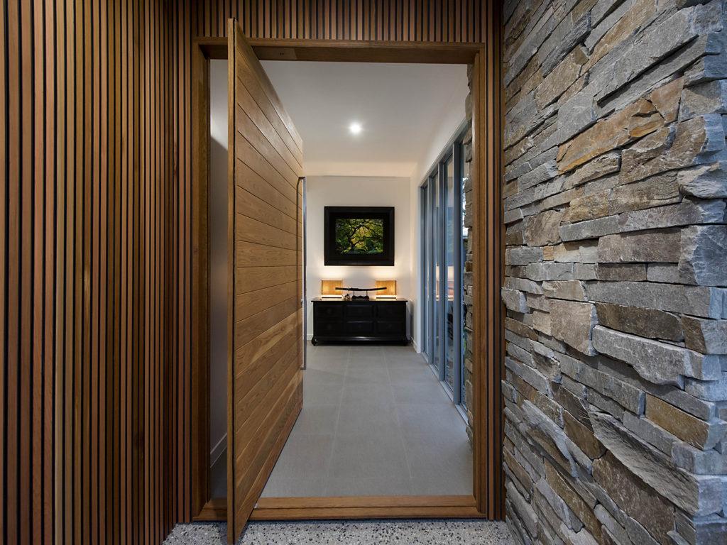Entry door taylor'd